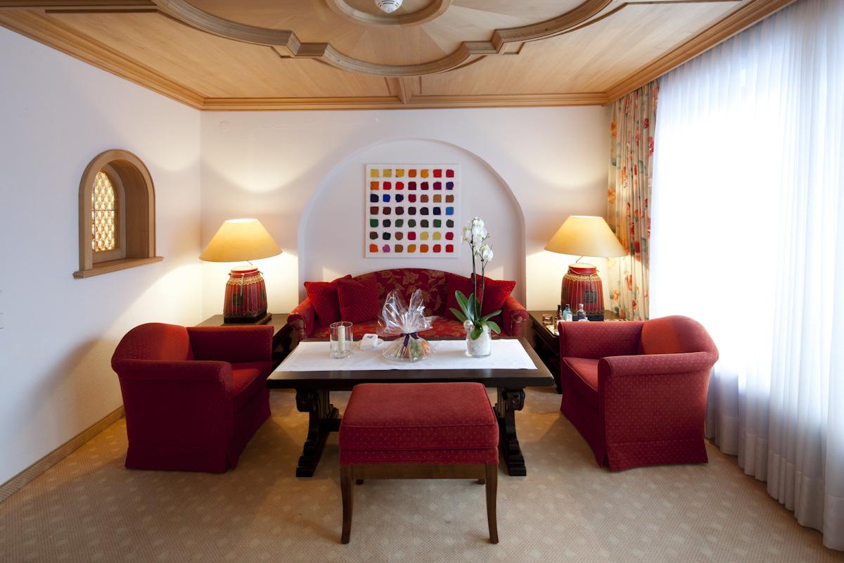 Suiten Thurnhers Alpenhof - Whirlpool im wohnzimmer