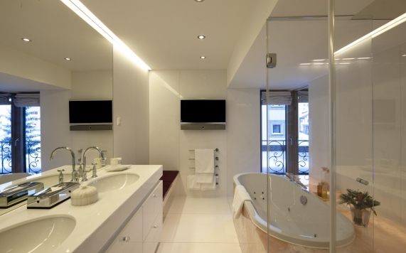 Bathroom Spa Suite